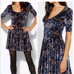 🆕️ UO Kimchi Blue | Floral Velvet Skater Dress